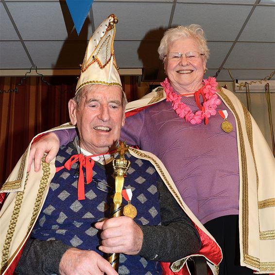 Carnavalsprins en -prinses in rusthuis