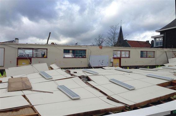 Dak van school Gruitrode weggewaaid