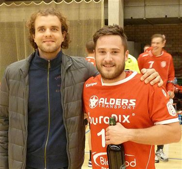 Handbal: Sporting wint van Sasja