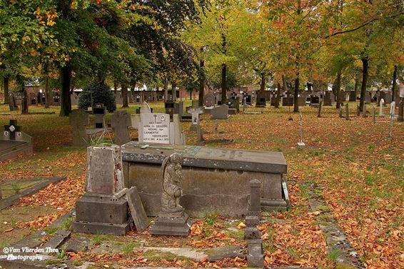 Herfst op het kerkhof