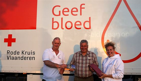 Honderd keer bloed gegeven