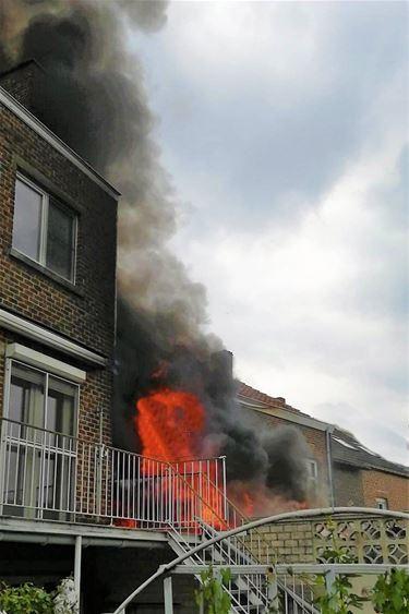 Huis onbewoonbaar door brand