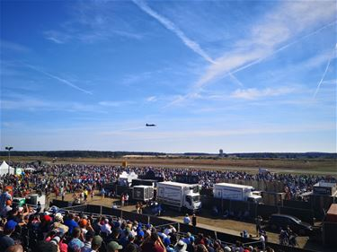 Massa volk voor Sanicole Airshow