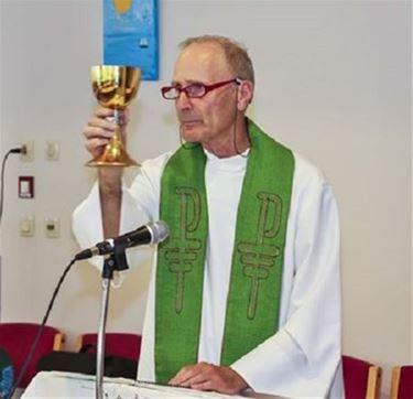 Pater Hugo Umans is plots overleden