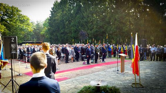 Plechtigheid op Pools Militair Kerkhof