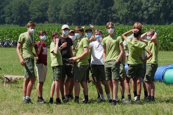 Scouts en gidsen Tervant goed aangekomen op kamp