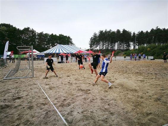 Strandvoetbal in Eksel