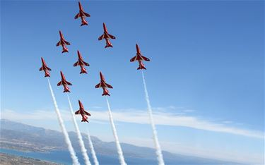 The Red Arrows openen Sunset Airshow