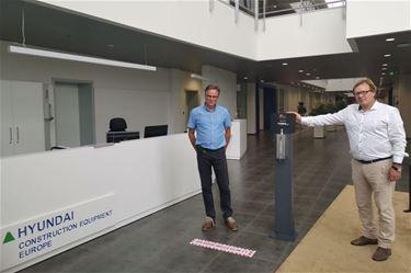 UC Belgium schenkt desinfectiezuilen