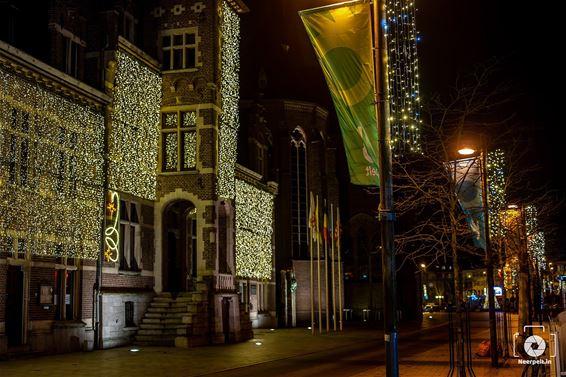 Zie ik de lichtjes van de Kerkstraat...
